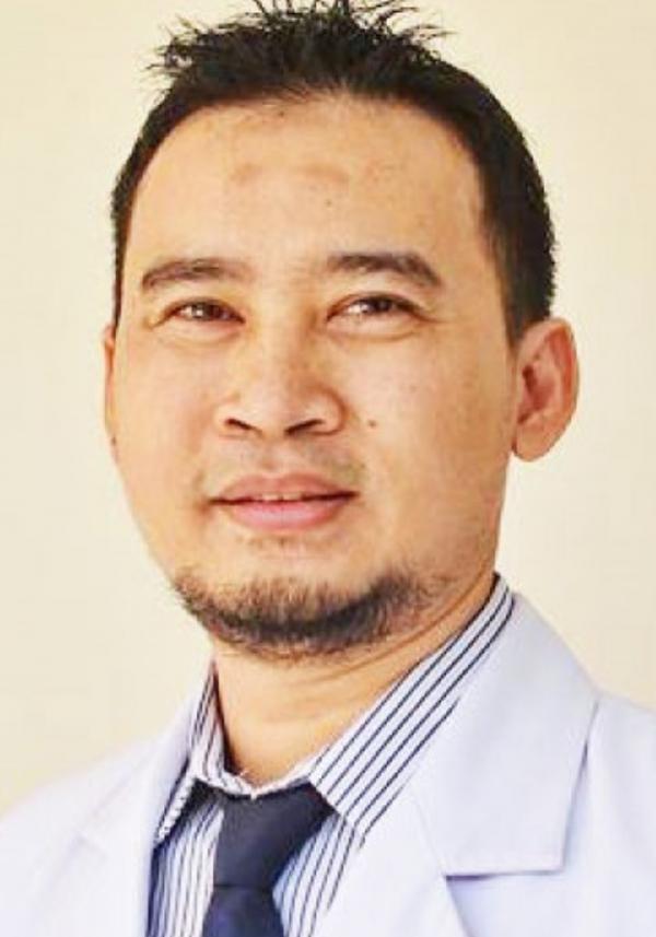 Dr Budi Surakhman, SpM