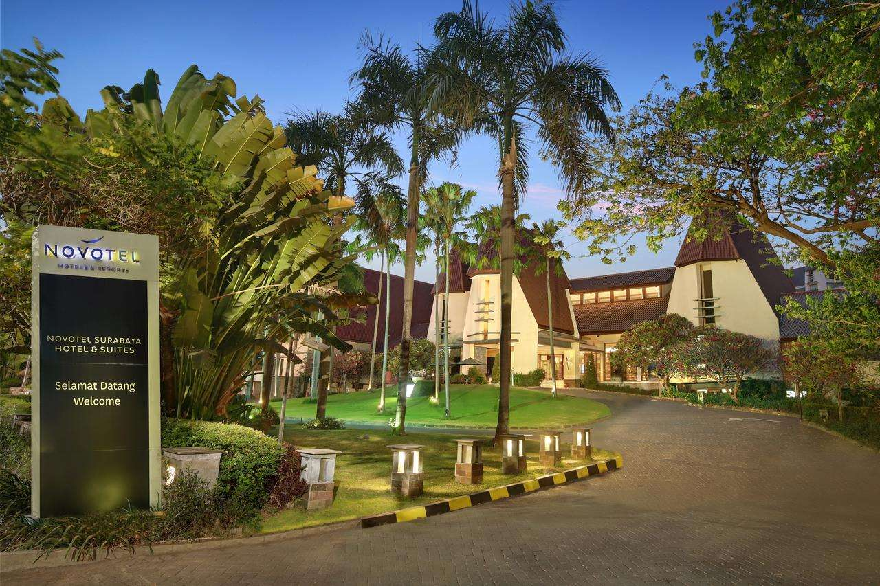 Novotel Surabaya & Suites