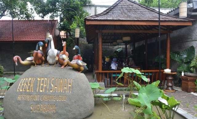 Restoran Bebek Tepi Sawah Surabaya