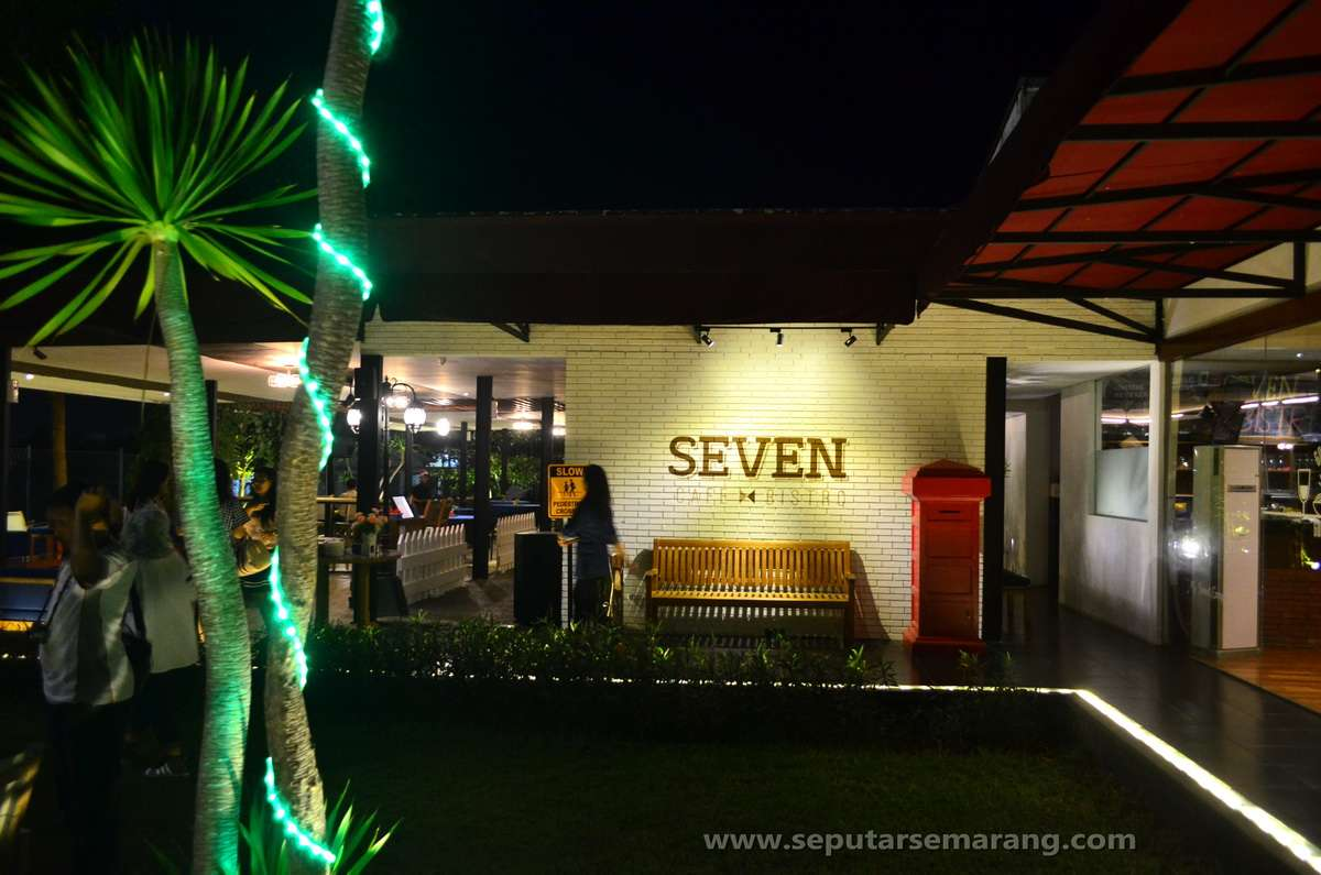 Seven Cafe Bistro