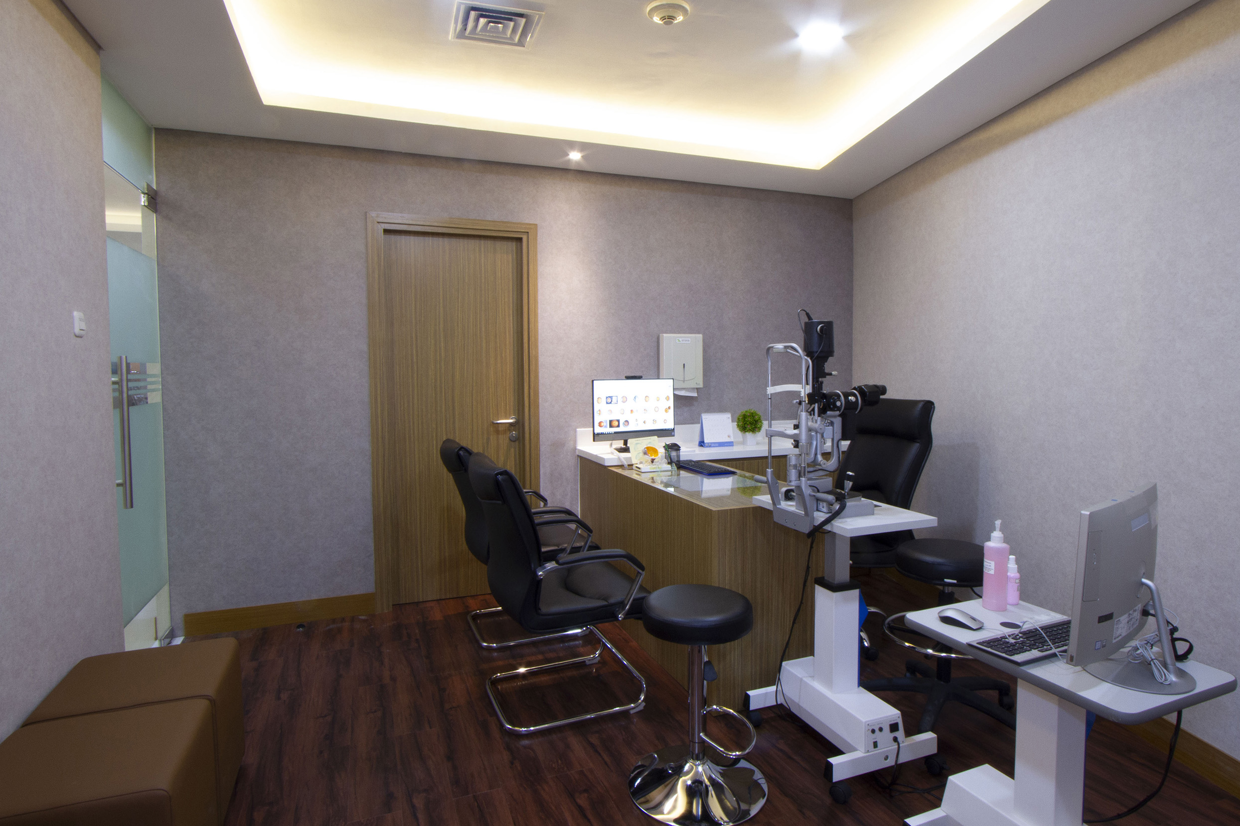 Doctor Consultation Room